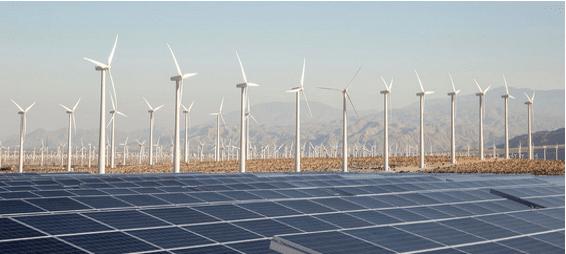 安裝於平地之太陽能和風電場